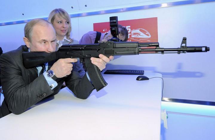 Vladimir Putin silah kgb