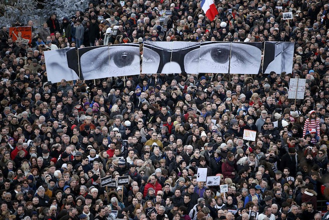 Fransadaki Charlie Hebdo saldırısı protesto yürüyüşü