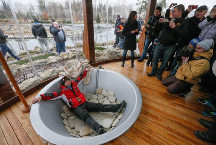 Eski Ukrayna Cumhurbaşkanı Viktor Yanukoviç Sarayı havuzu