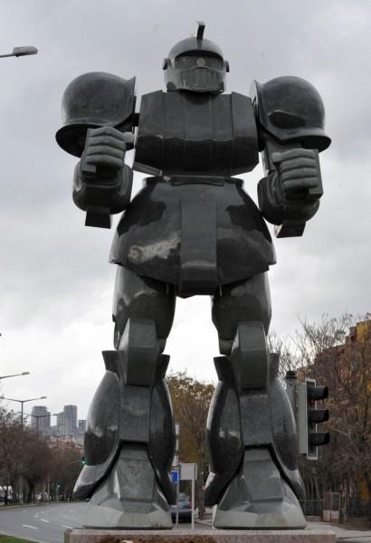 Ankara (AnkaPark) Melih Gökçek Robot Heykeli