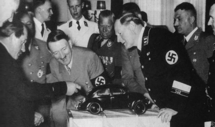 Hitler ve Volkswagen Beetle