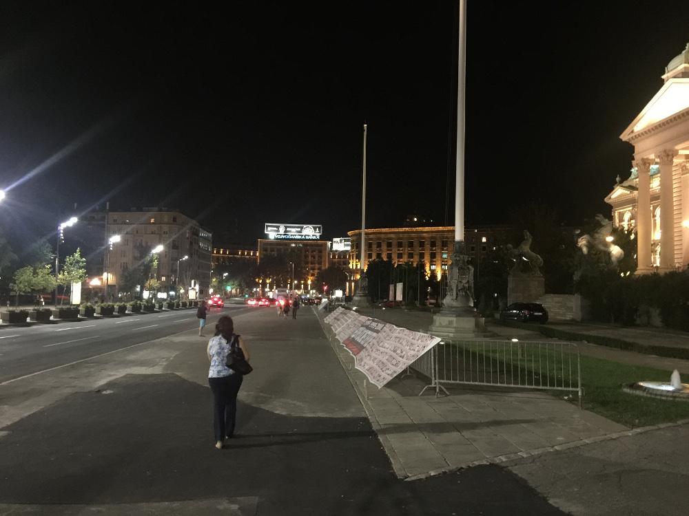 Belgrad cadde, parlamento önü