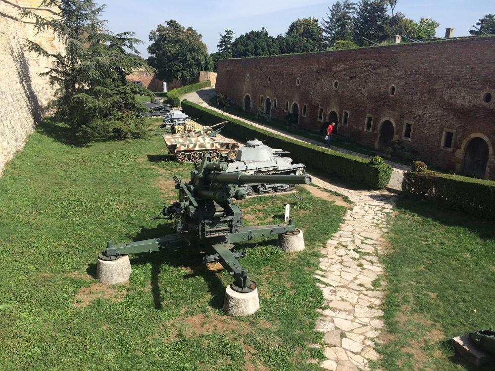 Sırp Askeri müzesi