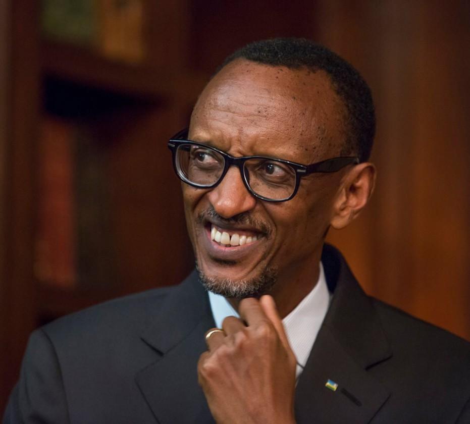 Paul Kagame, sosyal medya hesapları: facebook, twitter, instagram