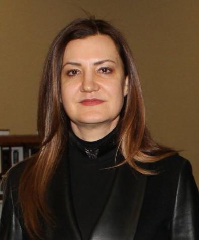 İzmir AKP Milletvekili Nükhet Hotar