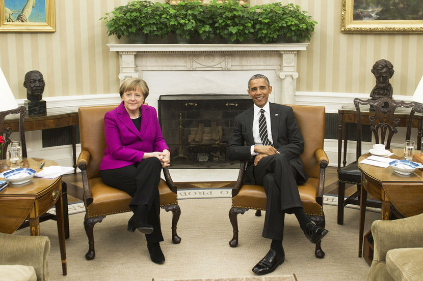 obama merkel oval ofis koltuk