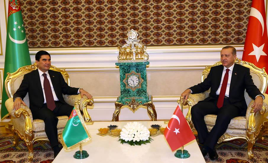 turkmenistan karsilama erdogan koltuk